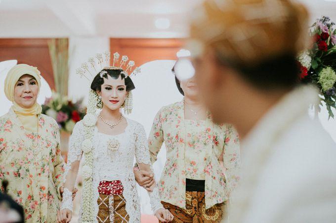 Sampoerna Strategic Wedding - Amitya & Abhi by Antijitters Photo - 025