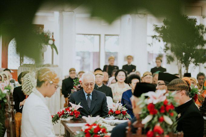 Sampoerna Strategic Wedding - Amitya & Abhi by Antijitters Photo - 023