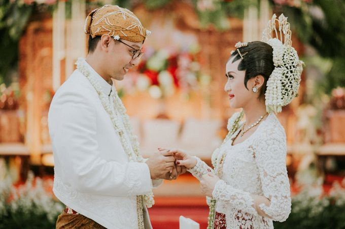 Sampoerna Strategic Wedding - Amitya & Abhi by Antijitters Photo - 020