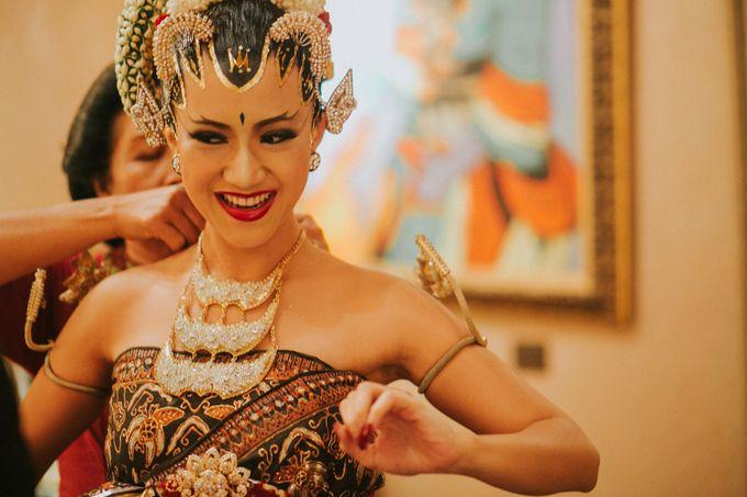 Sampoerna Strategic Wedding - Amitya & Abhi by Antijitters Photo - 009