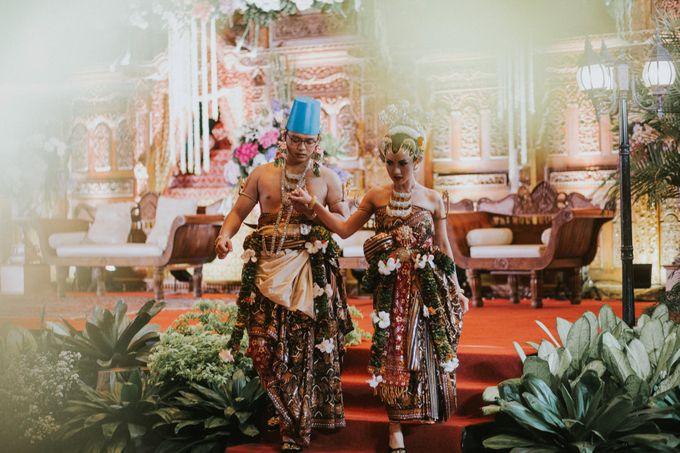 Sampoerna Strategic Wedding - Amitya & Abhi by Antijitters Photo - 004