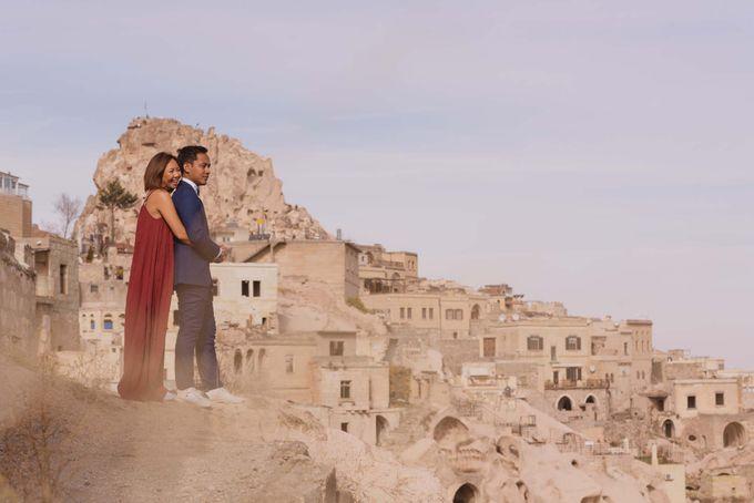 Fadli and  Sandy Pre Wedding Photo in Cappadocia by Dedot Photography - 005