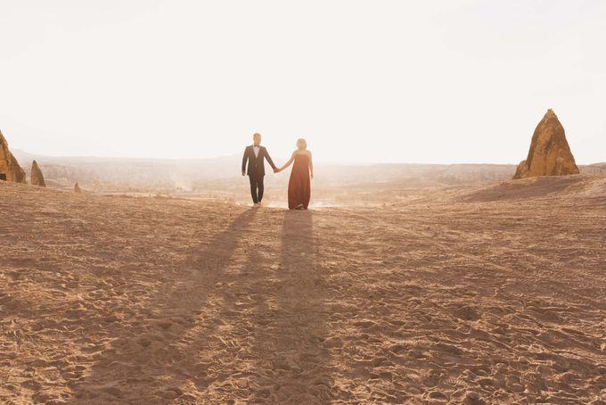 Fadli and  Sandy Pre Wedding Photo in Cappadocia by Dedot Photography - 006
