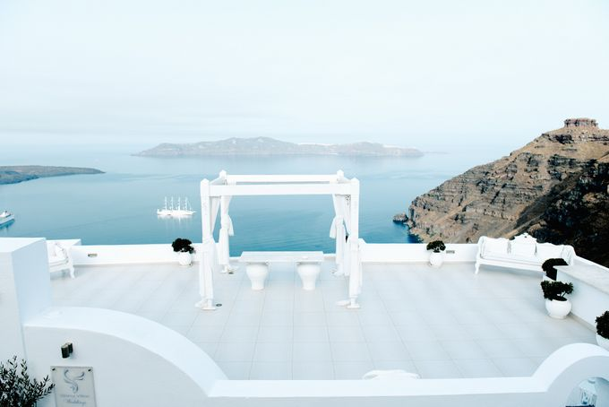 Intimate Santorini Dream Wedding by Teodora Simon Wedding Photography - 011