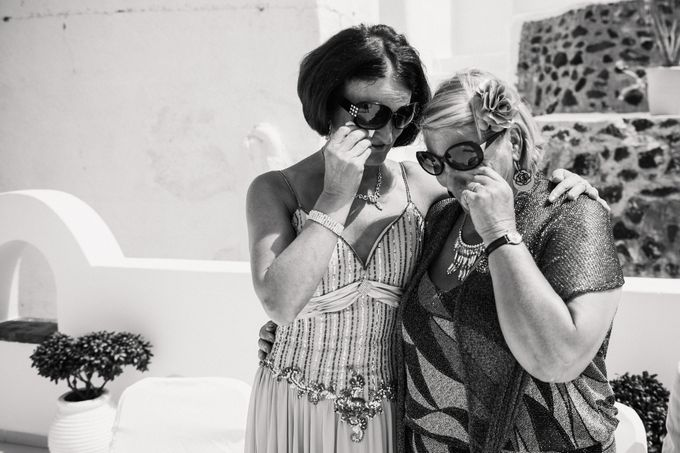 Intimate Santorini Dream Wedding by Teodora Simon Wedding Photography - 024