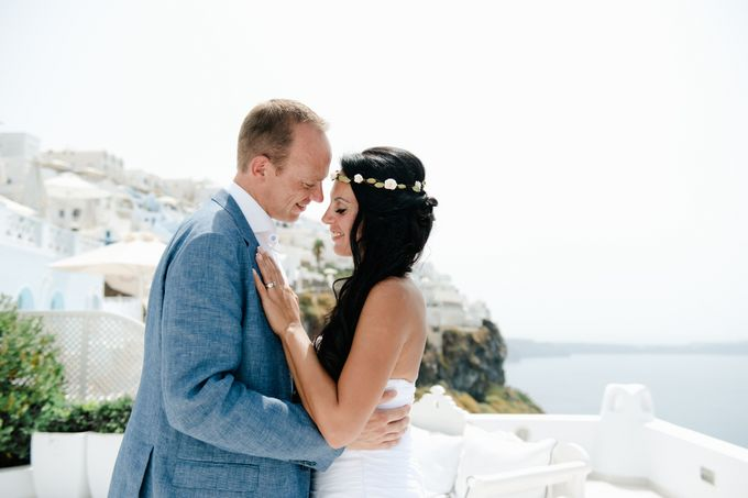 Intimate Santorini Dream Wedding by Teodora Simon Wedding Photography - 031