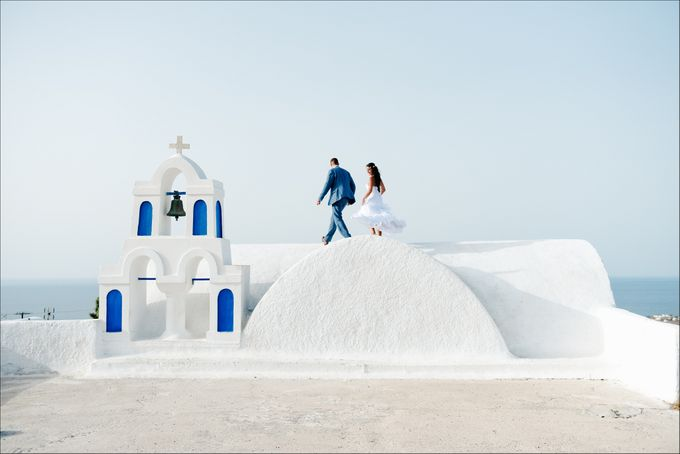 Intimate Santorini Dream Wedding by Teodora Simon Wedding Photography - 034