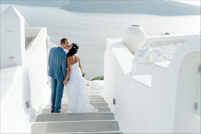 Intimate Santorini Dream Wedding by Teodora Simon Wedding Photography - 035