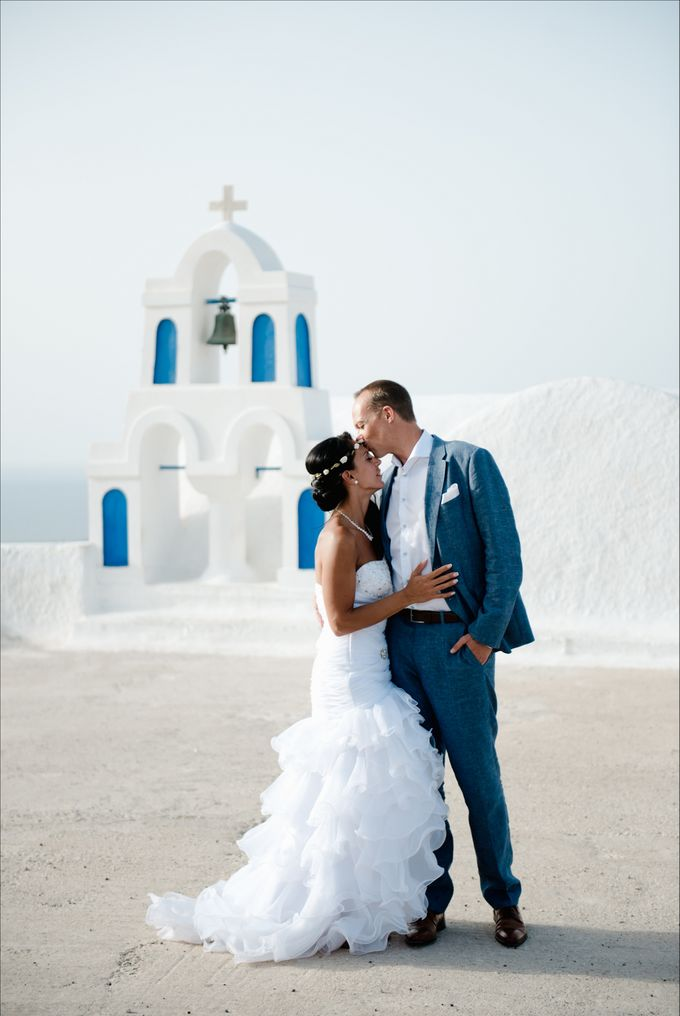Intimate Santorini Dream Wedding by Teodora Simon Wedding Photography - 036