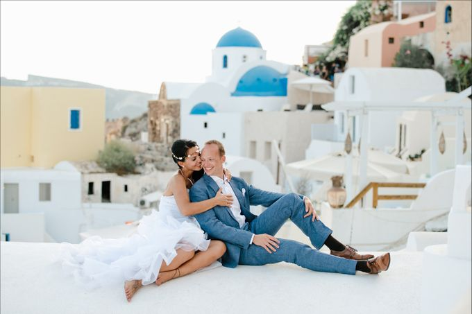 Intimate Santorini Dream Wedding by Teodora Simon Wedding Photography - 039