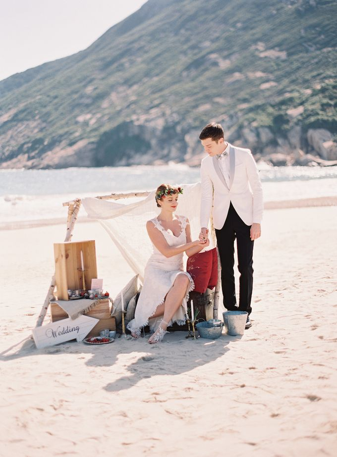 LUMINOUS & ETHEREAL BEACH WEDDING INSPIRATION by Savour Productions - 006