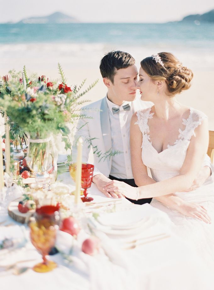 LUMINOUS & ETHEREAL BEACH WEDDING INSPIRATION by Savour Productions - 009