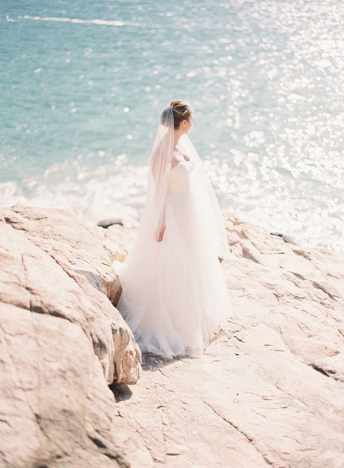 LUMINOUS & ETHEREAL BEACH WEDDING INSPIRATION by Savour Productions - 010
