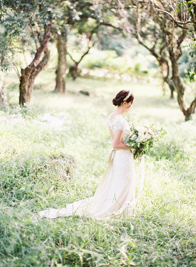 Garden Styled Shoot with Vintage Touch by Savour Productions - 002