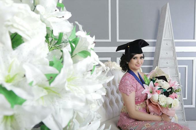 UC graduation by Xinxin Make Up - 010