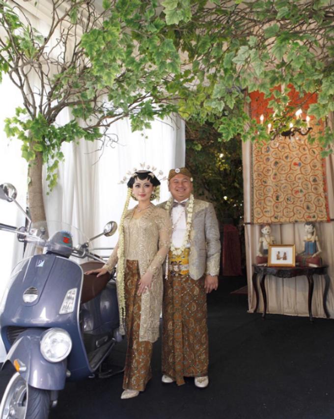 Allyssa & Candi Wedding by Mamie Hardo - 004