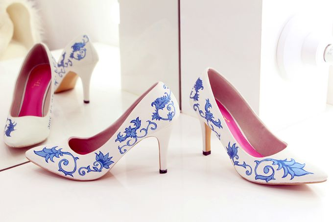 SLIGHT SEPATU POINTED PORCELAIN BIRU by SLIGHTshop.com - 001