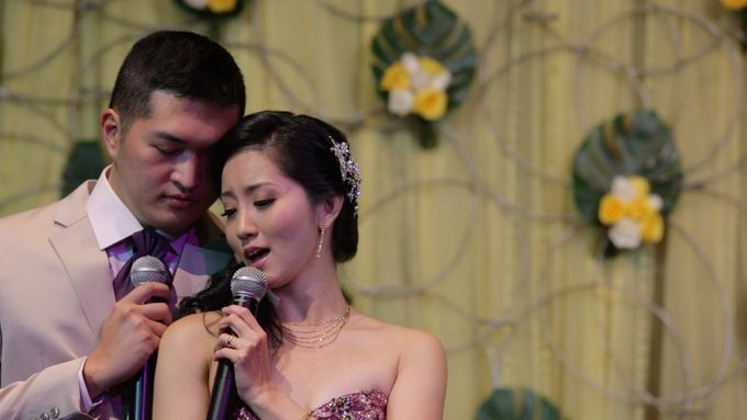 Edmond & Shiji // Peranakan wedding // split day // holy matrimony // church wedding // next day edit wedding highlight by Teck Kuan // 2013 by Conrad Centennial Singapore - 008