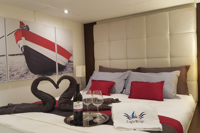 Yacht Charter for Memorable Wedding by Eagle Wings Yacht Charters Pte Ltd - 007
