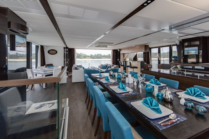 Yacht Charter for Memorable Wedding by Eagle Wings Yacht Charters Pte Ltd - 003
