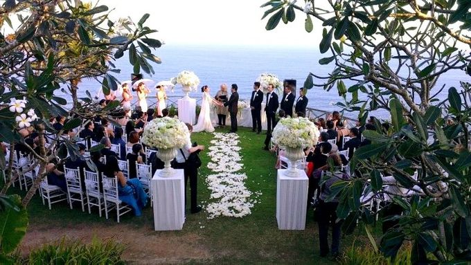 SUNSET BY THE CLIFF by The Wedding Atelier - 002
