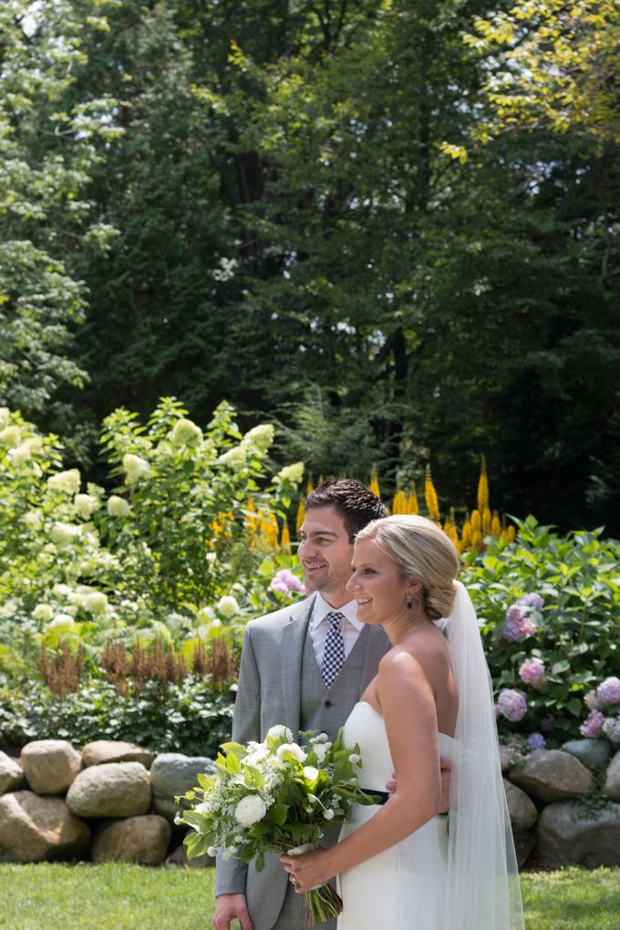 Outdoor Michigan Wedding by Photography by Collette - 011
