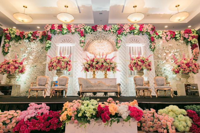 The Wedding of Kelvin & Naomi by The Swan Decoration - 001