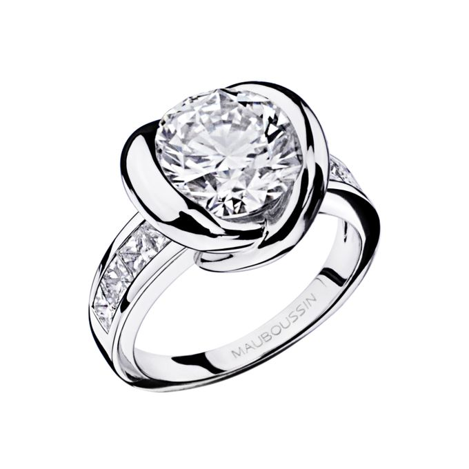 Swan Princess diamond ring by MAUBOUSSIN - 001