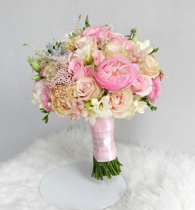Round Bouquet Collection by Il Fiore - 025