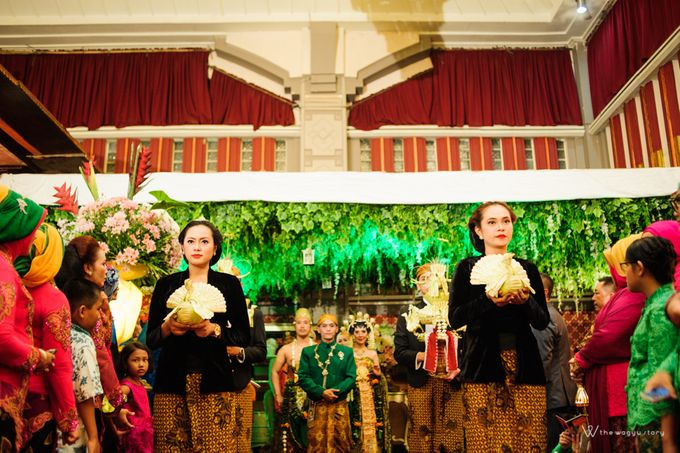 The Wedding of Rizqi & Diar by The Wagyu Story - 031