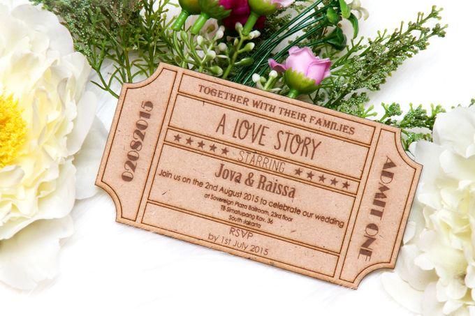 Wood Wedding Invitation by Ravaro Design - 004