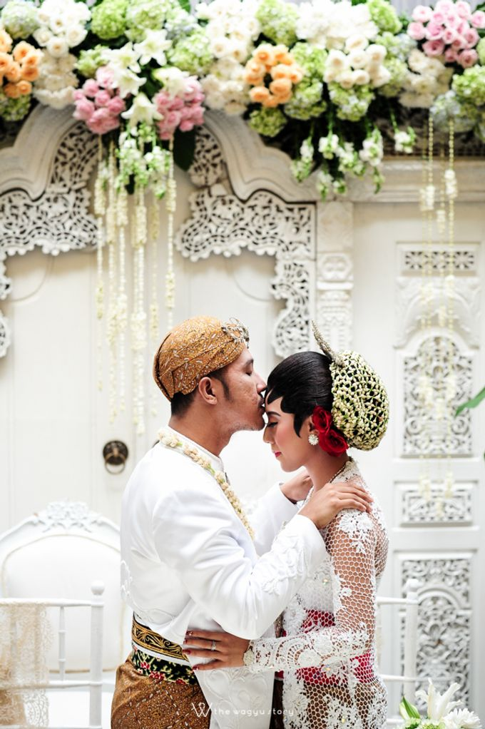 The Wedding of Rizqi & Diar by The Wagyu Story - 019
