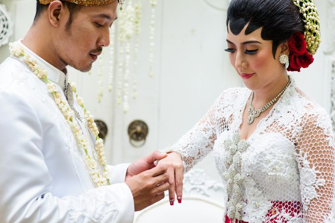 The Wedding of Rizqi & Diar by The Wagyu Story - 017