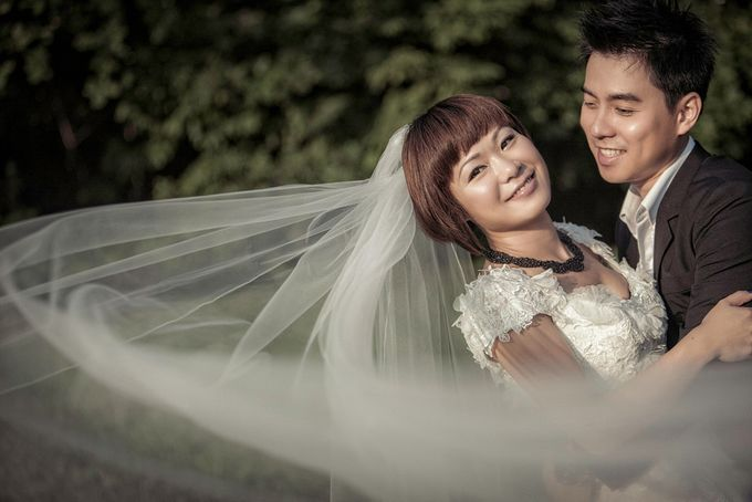 Pre-Wedding Looks by TheLittleBrush by Acapella Photography - 001