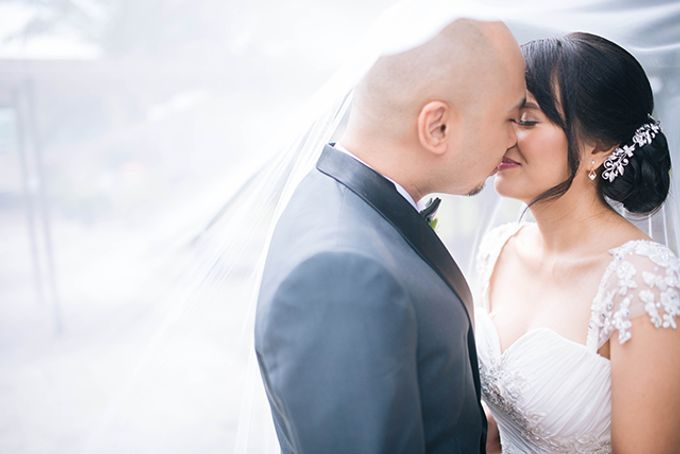 The Bellevue Manila Wedding by Lloyed Valenzuela Photography - 010