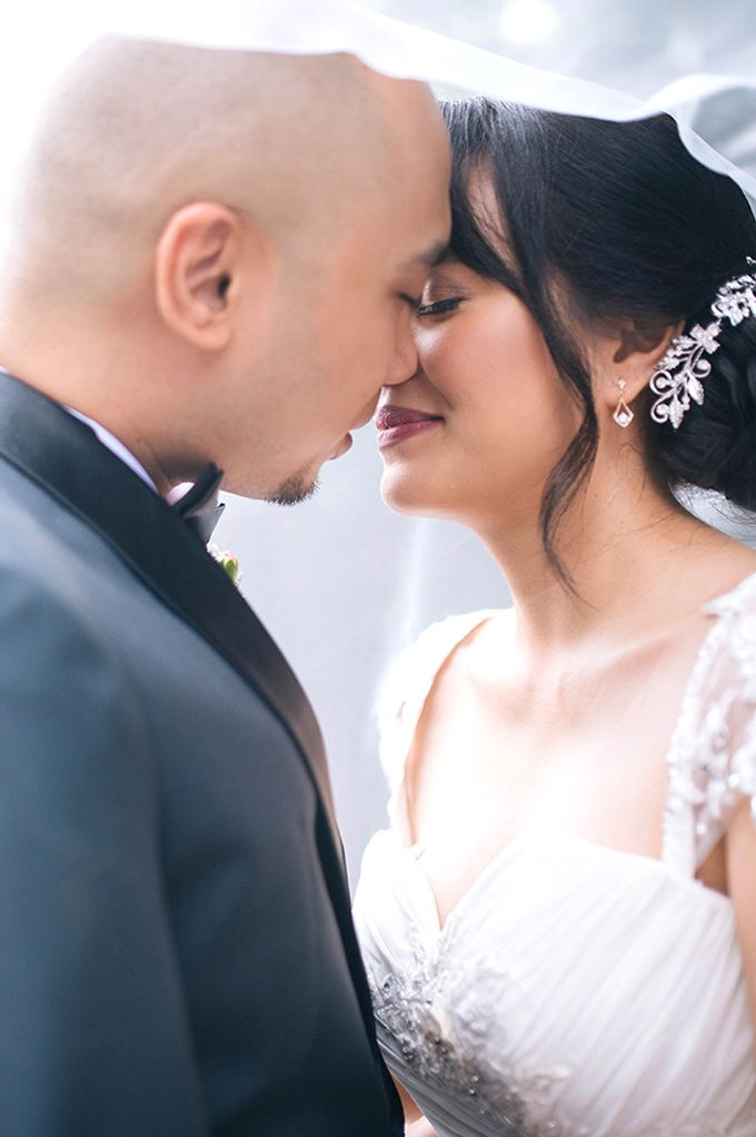 The Bellevue Manila Wedding by Lloyed Valenzuela Photography - 048