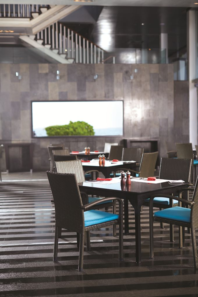 The Shore Restaurant by Hilton Bali Resort - 008