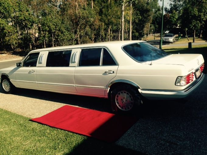 Mercedes 7 seat Classic Stretch Limousines by Tic Tac Tours & Premier Limousines - 008
