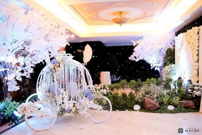Traditional Wedding Karina & Yona by Sheraton Surabaya Hotel & Towers - 023