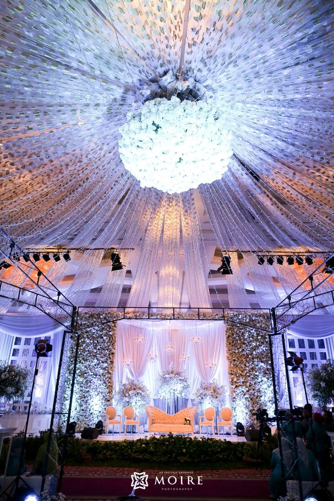 Traditional Wedding Karina & Yona by Sheraton Surabaya Hotel & Towers - 024