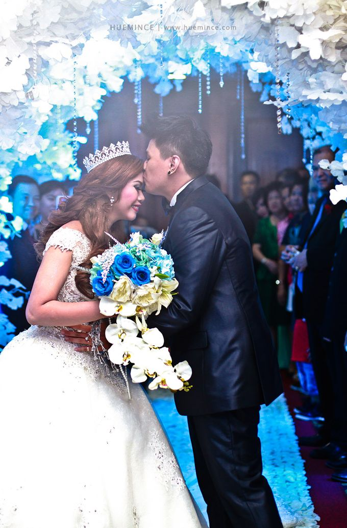 Saunders vinson wedding