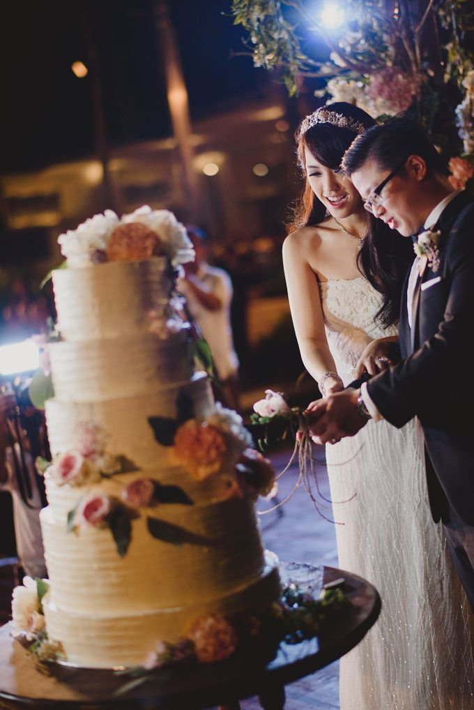 Vania Larissa & Wilson Pesik Wedding by Lona Makeup - 005