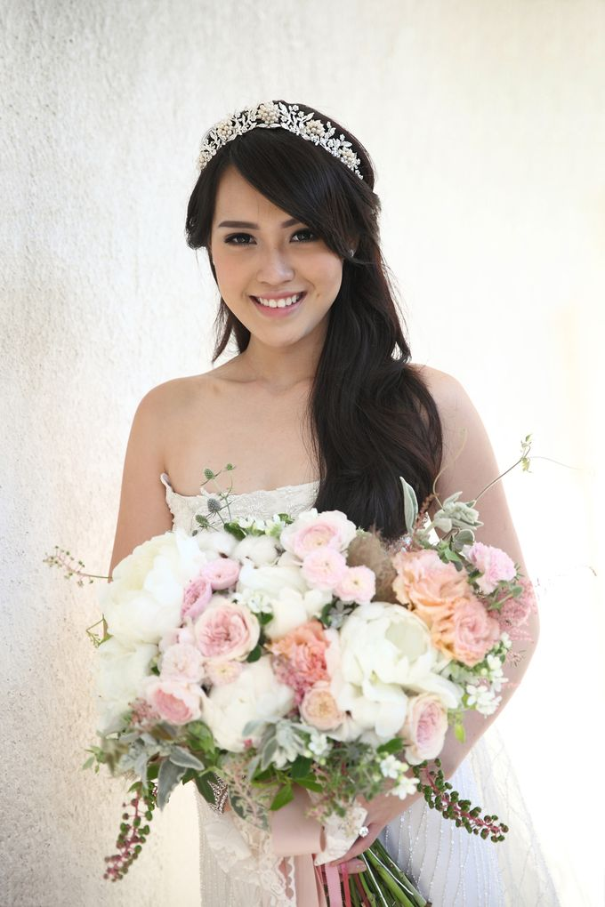 Vania Larissa & Wilson Pesik Wedding by Lona Makeup - 007