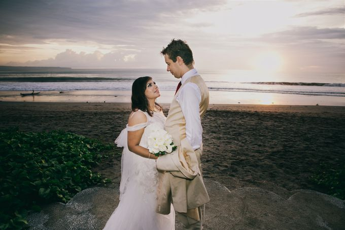 Beach Wedding and Dance the Night Away Under the Stars by W Bali - Seminyak - 010
