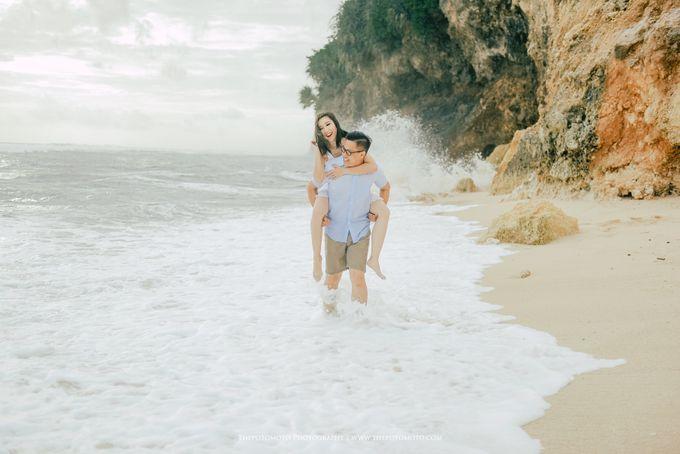 Tasya & Mario Prewedding Session by Thepotomoto Photography - 001