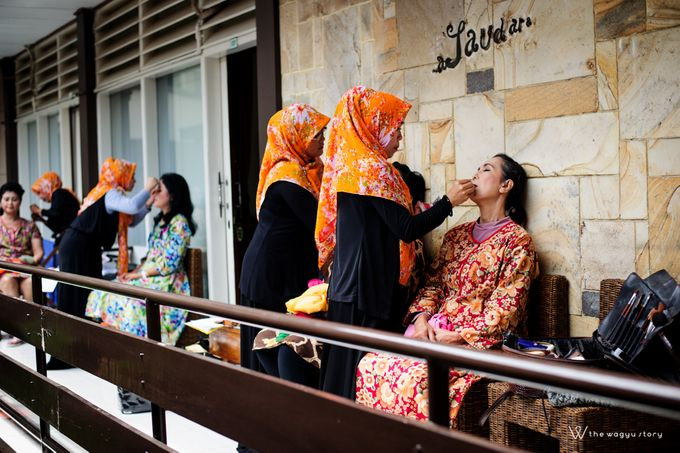 The Wedding of Rizqi & Diar by The Wagyu Story - 010