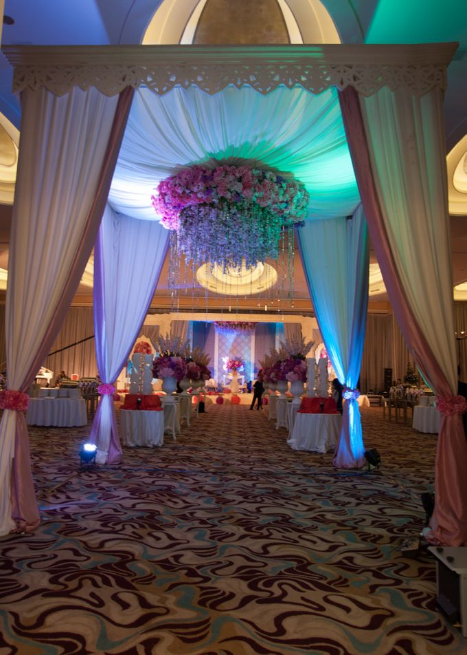 Wedding at HARRIS CONVENTION HALL by HARRIS HOTEL & CONVENTION FESTIVAL CITYLINK BANDUNG - 006