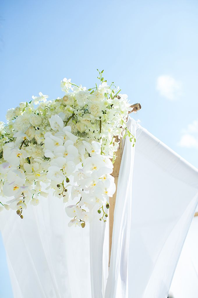 WHITE ELEGANCE-WEDDING AT LUXURY CLUB by Wedding Boutique Phuket - 010