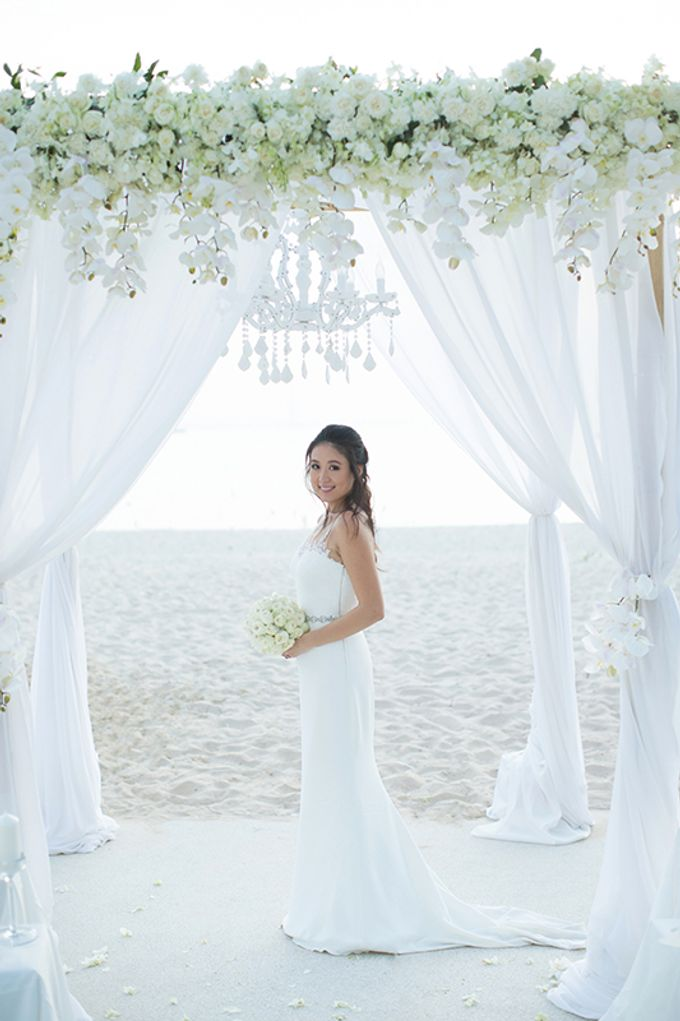 WHITE ELEGANCE-WEDDING AT LUXURY CLUB by Wedding Boutique Phuket - 023