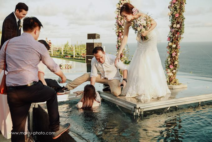 High cliff wedding